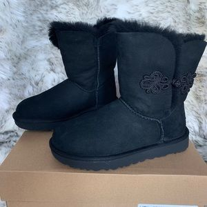 UGGpure black Bailey Mariko boot genuine Shearling